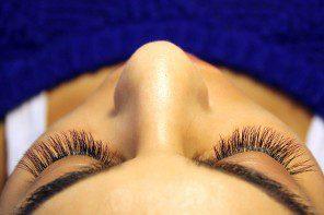 Perfect Eyelashes offer flirty, fun, beautiful semi-permanent eyelash extensions