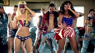 Lady-Gaga-Beyonce-Telephone-Music-Video-lady-gaga