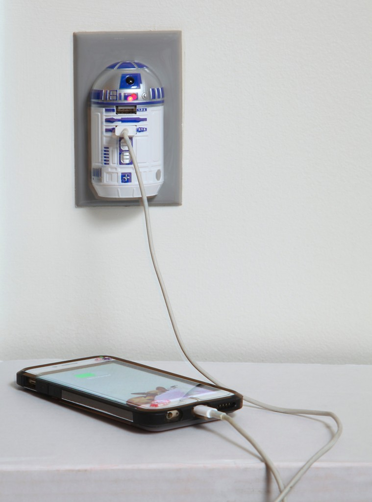 Star Wars R2-D2 USB Wall Charger - £23.03