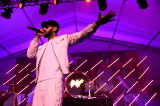 MIAMI BEACH, FL - DECEMBER 05:  Swizz Beatz performs on stage at The Dean Collection X BACARDI Untameable House Party - Day 3 on December 5, 2015 in Miami Beach, Florida.  (Photo by Frazer Harrison/Getty Images for Bacardi)