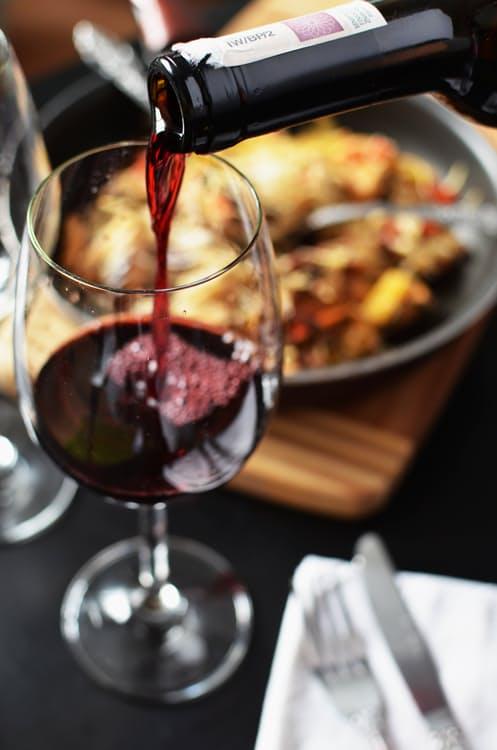 restaurant-love-romantic-dinner