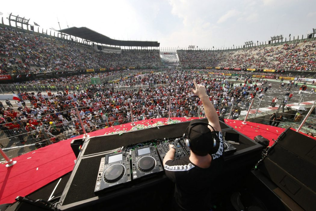 Dj hardwell makes history with heineken verge magazine dutch dj hardwell becomes the first dj to perform on the podium at a grand prix in mexico with heineken thecheapjerseys Gallery