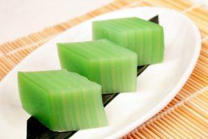 pandan-and-coconut-layer-cake