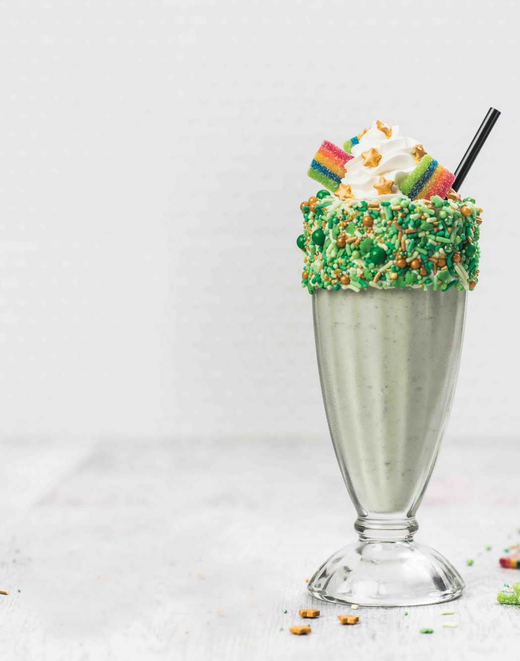 01d417bfe12b The iconic restaurant and entertainment brand is celebrating with the  all-new St. Paddy s Shake