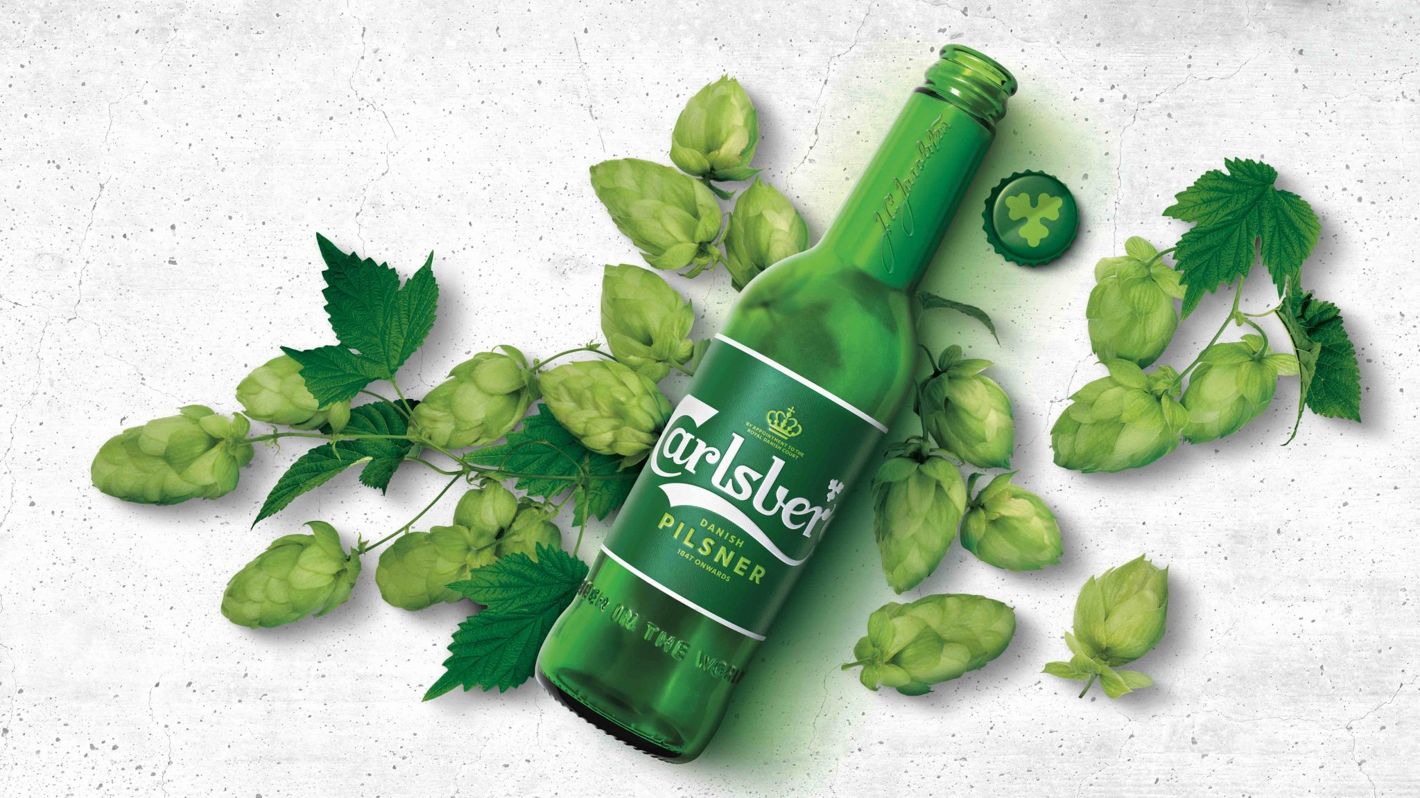 Carlsberg Bottle with Hops _hi-res