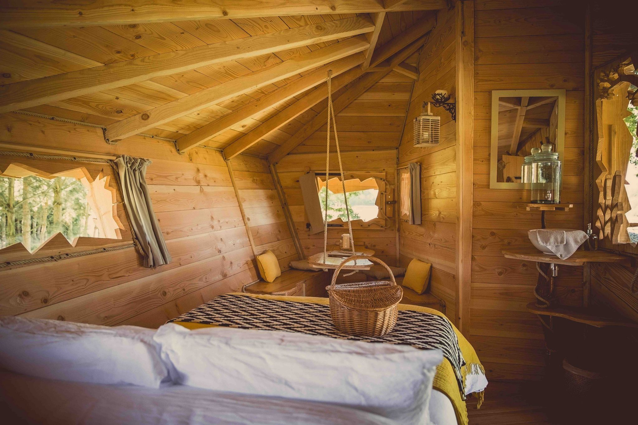 Property Hunter Hero Image_La Chouette Cabane 2