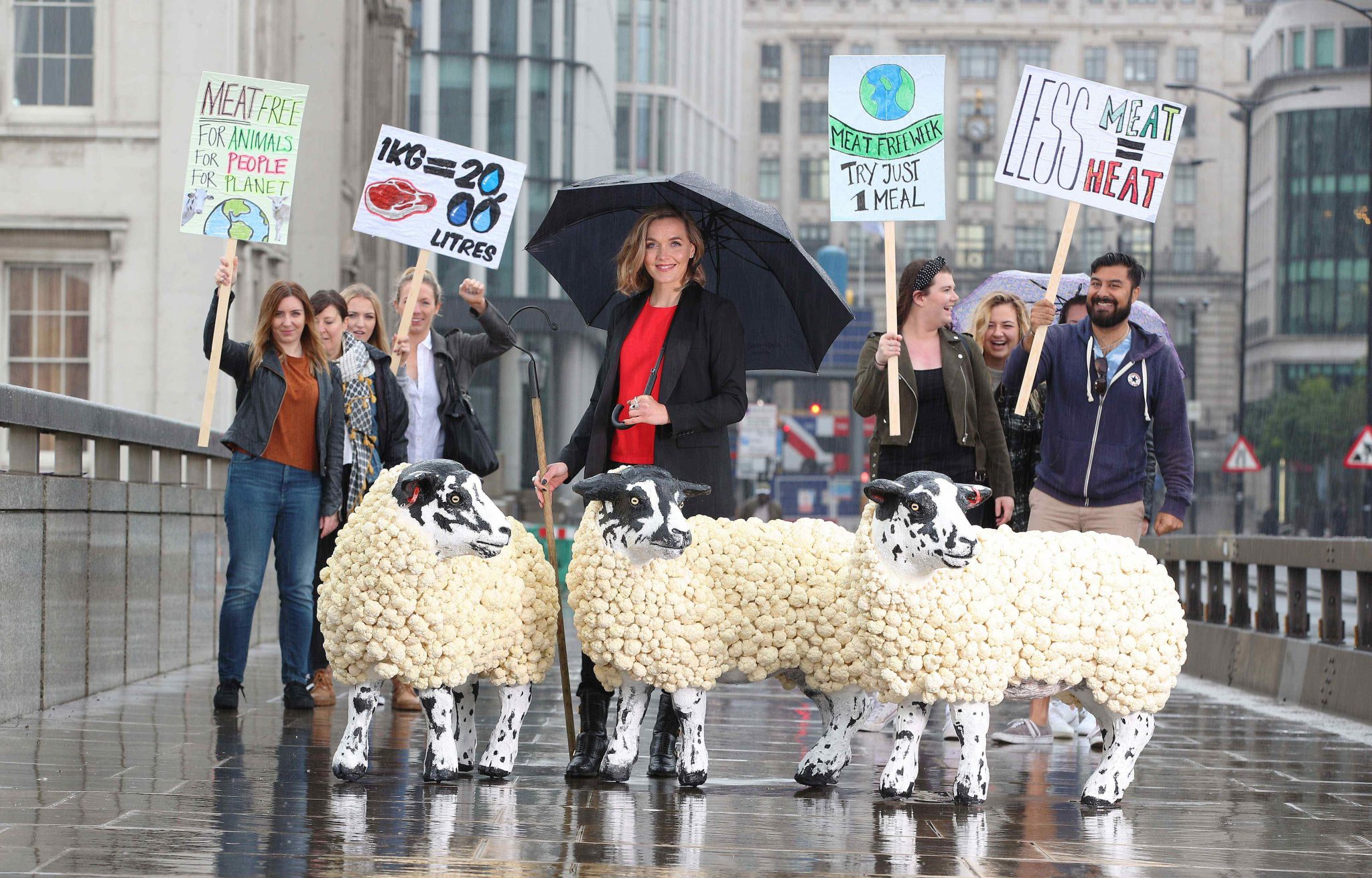 Meat Free-(wo)man of London and double Olympic champion Victoria Pendleton, exercises her right to go meat-free in the capital, to launch World Meat Free Week. The global initiative aims to encourage people around the globe to reduce their meat consumption. www.worldmeatfreeweek.com