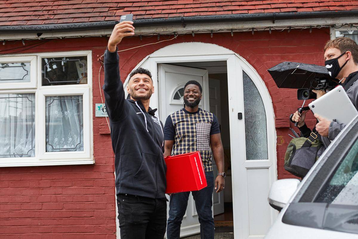 Coca-Cola Home End Deliveries with Alex Oxlade-Chamberlain