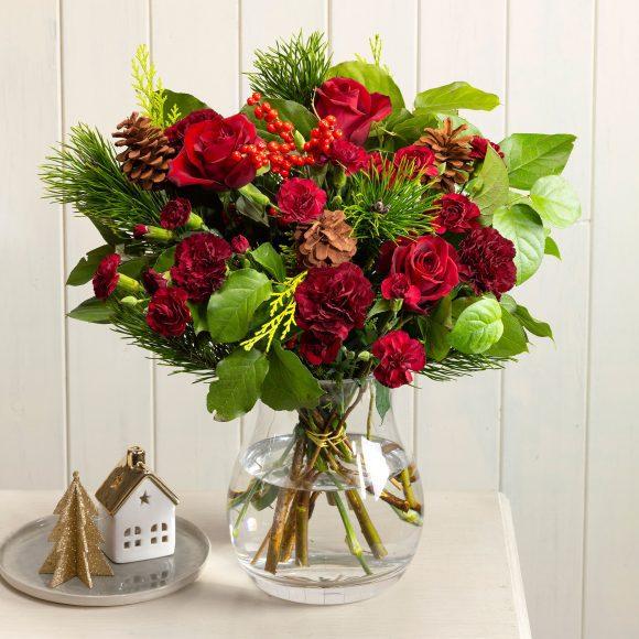 Christmas Carol Serenata Flowers