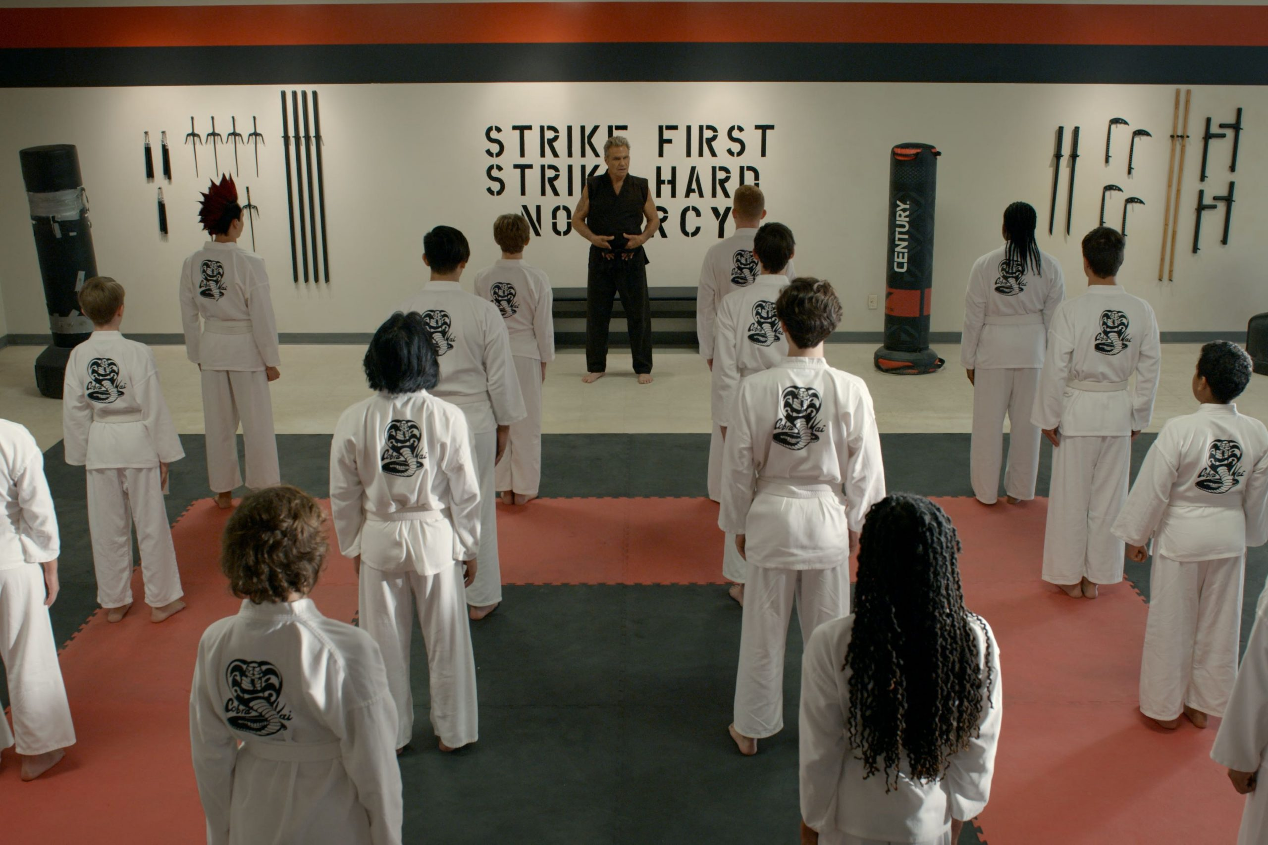 COBRA KAI (L to R) MARTIN KOVE as JOHN KREESE in episode 302 of COBRA KAI Cr. COURTESY OF NETFLIX © 2020