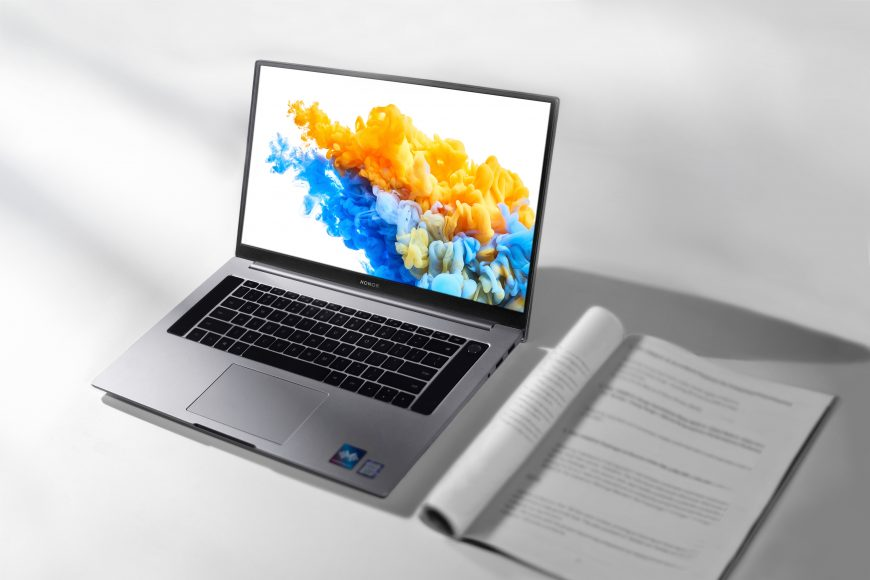 HONOR MagicBook Pro - lifestyle