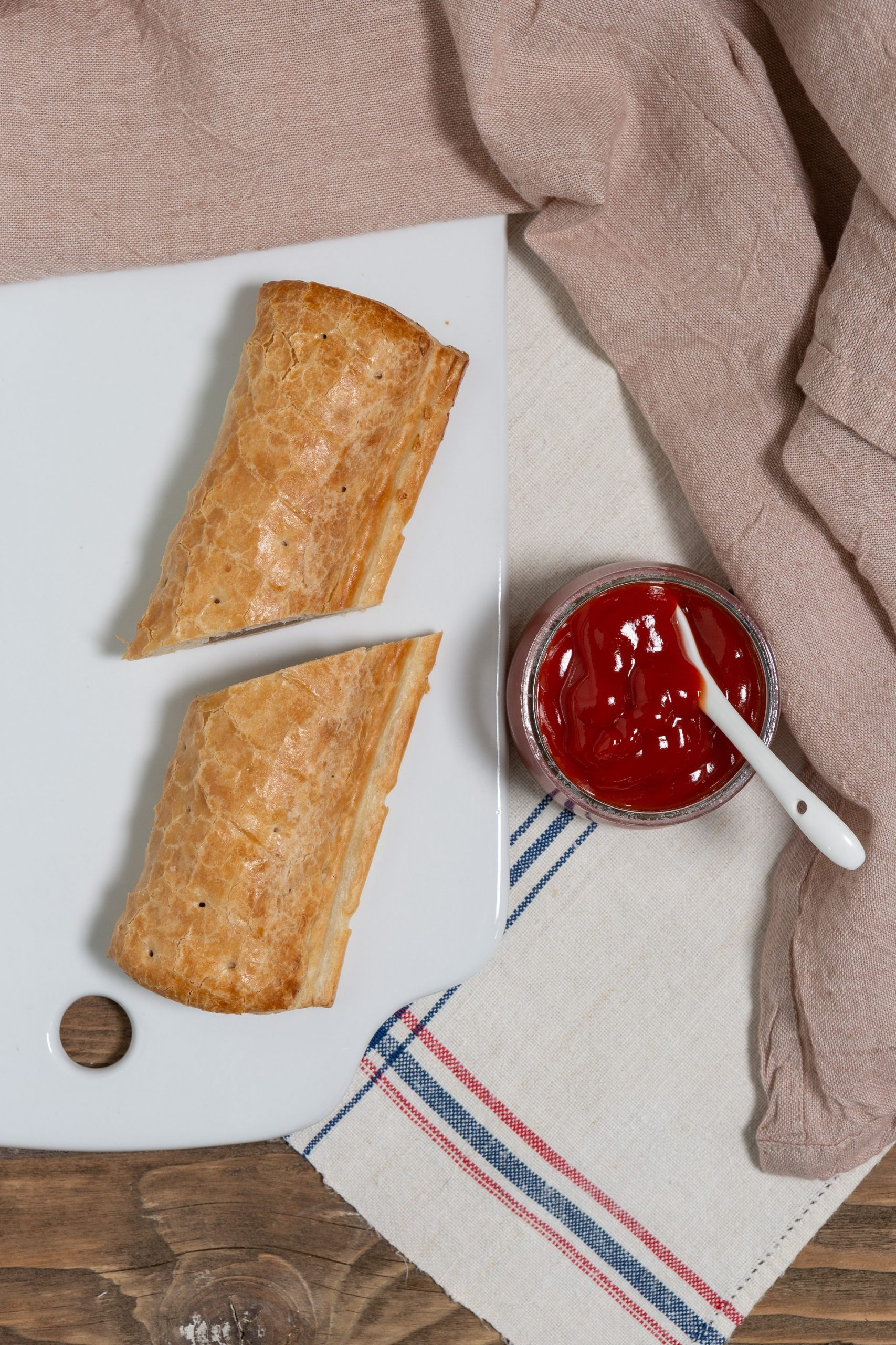 Wall's Pastry_Healthy tomato ketchup with Vegan Jumbo Roll LR
