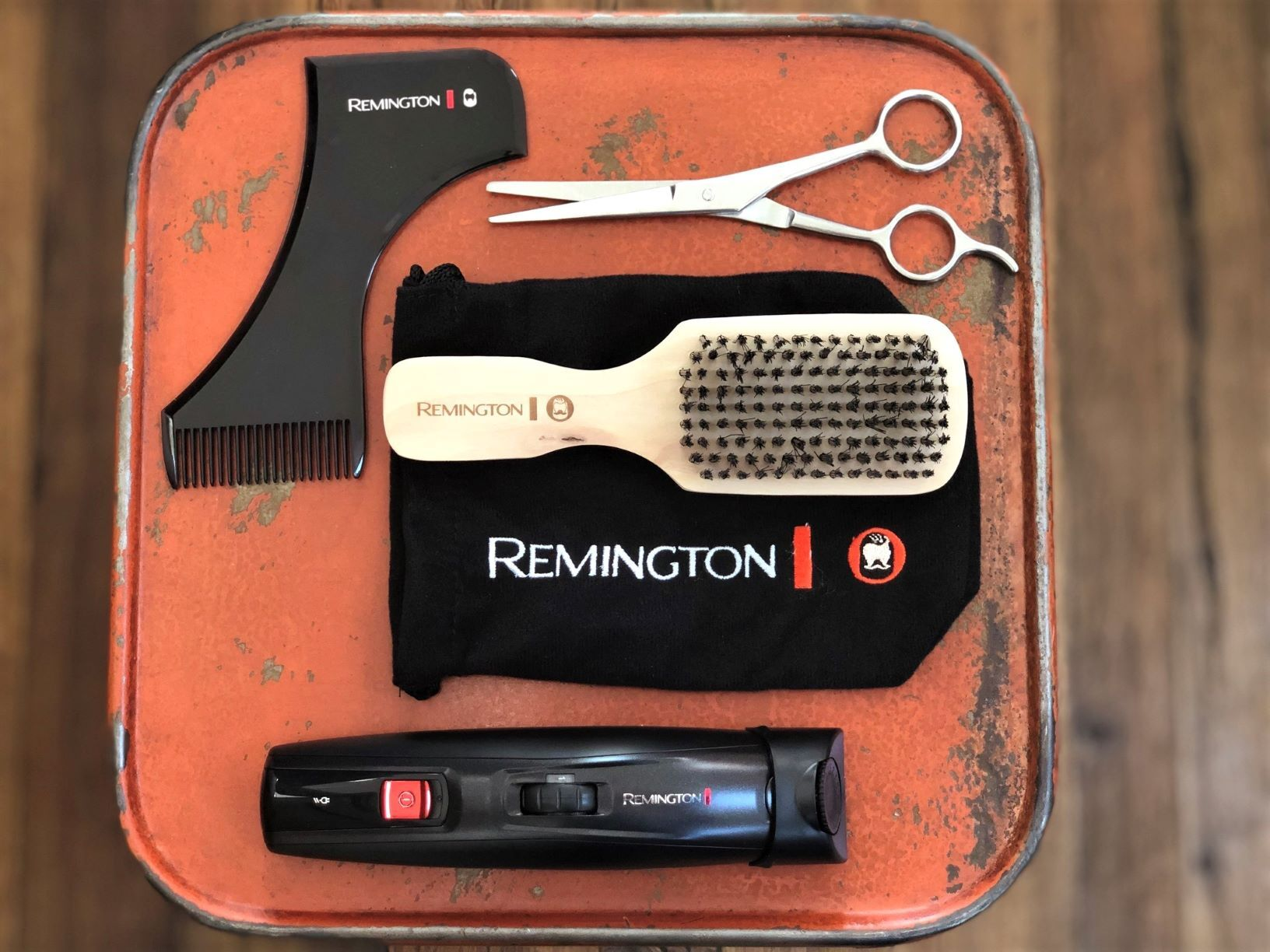 Crafter Beard Kit_Product with Attachments_Lifestyle