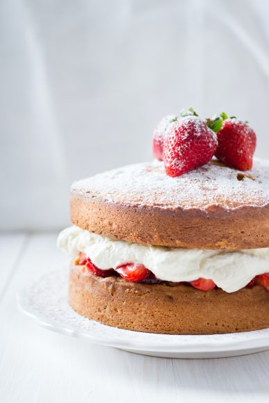 Flora Vegan Victoria Sponge Cake 1