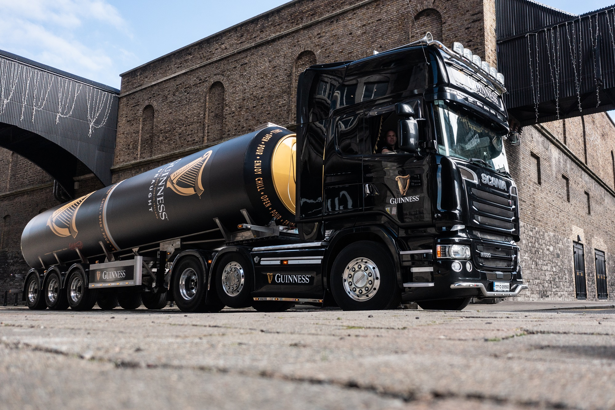 GUINNESS prepares for pub gardens reopening in England on April 12th by delivering 49 tankers of its iconic stout kegging, and deploying quality control experts to 50,000 venues across the country.