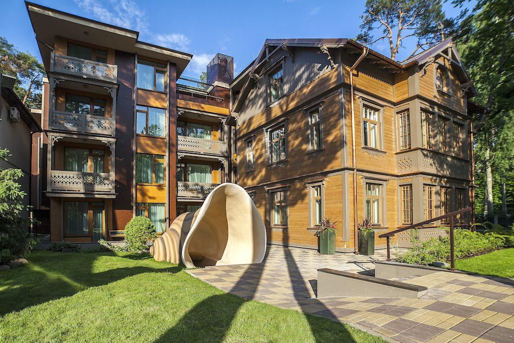 Villa_Alvīne_Family_Apart-Hotel[1]
