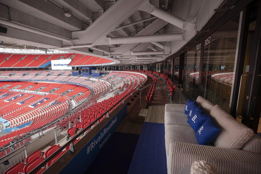 Booking.com Stadium Suite (5)
