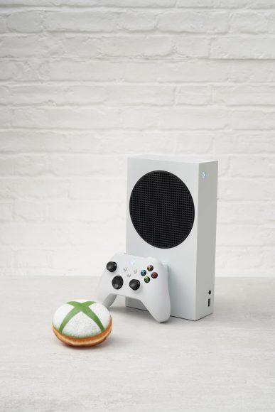 Xbox-and-doughnut
